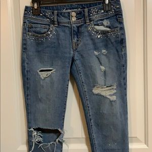 American Eagle skinny low rise. Distressed jeans